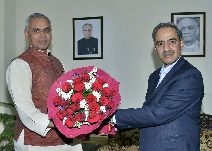 Sh. D.K. Sharma Chairman, BBMB with Sh. Acharya Dev Vrat, Hon'ble Governor of Himachal Pradesh
