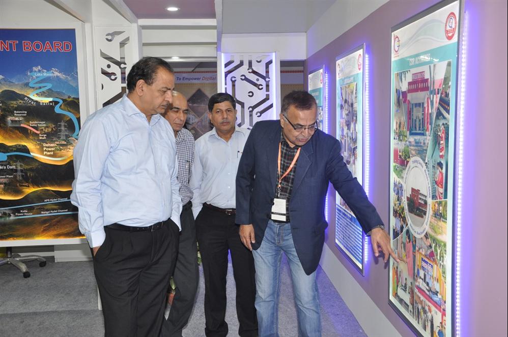 श्री एस.के. शर्मा, अध्यक्ष, बीबीएमबी द्वारा भारतीय अंतर्राष्ट्रीय व्यापार मेले में बीबीएमबी पैवेलियन का निरीक्षण